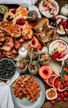 New Breakfast Table Ideas Brunch Party Ideas Breakfast Platter, Breakfast For A Crowd, Breakfast Buffet, Best Breakfast, Breakfast Fruit, Breakfast Picnic, Birthday Breakfast, Breakfast Potatoes, Breakfast Burritos