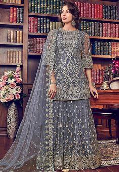 Buy salwar kameez online from latest collection of salwar suit designs. Grab this staggering purple designer palazzo salwar kameez for mehndi, sangeet and wedding. Designer Anarkali, Designer Salwar Suits, Designer Dresses, Pakistani Gharara, Pakistani Dresses, Indian Dresses, Pakistani Bridal, Indian Outfits, Indian Anarkali