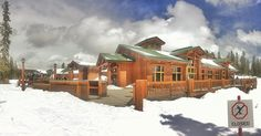 Timber Ridge at the @keystonemtn. Perfect for mountain top receptions and outdoor ceremonies on ski runs. Image: Stacy Sanchez   #keystoneweddings @keystonewedding