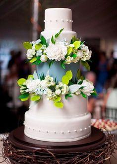 Exuberante bolo de casamento...
