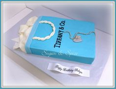 Tiffany shopping bag cake and necklace.