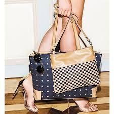 Nieuw in onze collectie deze stijlvolle tassen. Kurk gecombineerd met zacht kalfsleer.   Kijk op onze website www.artinato.com/dames/tassen