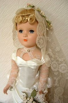 1950s-large-madame-alexander-victorian-doll-stunning-21-inch-box_140898954136.jpg 262×400 pixels