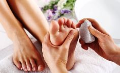 There are several causes of peeling skin on the feet, including dry skin, dead skin buildup, sunburn, fungal infection or other skin conditions. Pedicures, Hard Skin On Feet, Cracked Skin, Coconut Oil For Skin, Hand Care, Feet Care, Dead Skin, Organic Skin Care, Healthy Skin