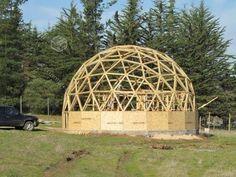Construcción de una cúpula geodésica en un fin de semana - YouTube