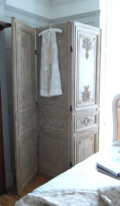 Sweetpea & Willow is an award winning French furniture boutique offering excellent value for French style and shabby chic furniture. Room Divider Screen, Room Screen, Room Dividers, French Furniture, Shabby Chic Furniture, Furniture Design, Dressing Screen, Trumeau, Furniture Boutique