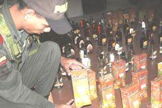 """""""Incautaciones de licor ecuatoriano en Nariño"""". 3 Abr 2013. (IPITIMES.COM ® /New York. FUENTE: LA HORA)."""