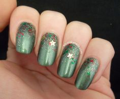 Squeaky Nails: Holiday Gradient with Daphine Polish Blue Spruce and Christmas in a Bottle