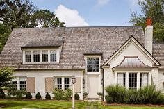 White country house with neutral front door in Farrow and Ball's Stony Brick tiled roof Brick Paint Colors, Front Door Paint Colors, Painted Front Doors, Paint Colors For Home, House Colors, Best Exterior Paint, Grey Exterior, Exterior Paint Colors, Best Front Doors