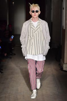 Gosha Rubchinskiy Spring 2018 Menswear Fashion Show Collection