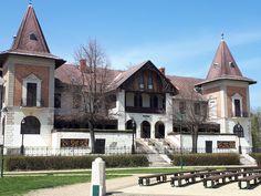 Keszthely   - Hullám  szálloda Hungary, Mansions, House Styles, Home Decor, Vacation, Mansion Houses, Homemade Home Decor, Manor Houses, Fancy Houses