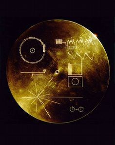 The sounds of Earth→The Voyager Golden Record. The cover of the Voyager Golden Record, which was mounted on both Voyager probes I and II and launched into the depths of space (NASA, Sep Voyager Golden Record, Carl Sagan, Sistema Solar, Cosmos, Nasa, Neil Armstrong, Space And Astronomy, Our Solar System, Space Travel