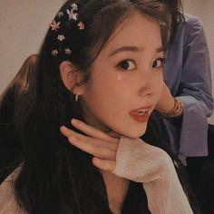 Icons,headers and more things for 𝐊𝐏𝐎𝐏. Kpop Aesthetic, Aesthetic Girl, Aesthetic Black, Cute Girls, Cool Girl, Jeon Somi, Korean Actresses, Ulzzang Girl, K Idols