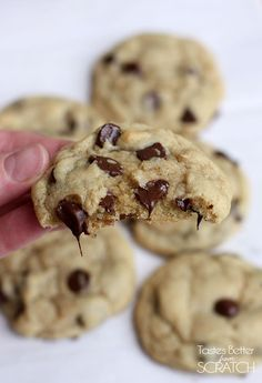 Perfect Chocolate Chip Cookies recipe on TastesBetterFromS… Source by schbass Related posts: Perfect Chocolate Chip Cookies Perfect Chocolate Chip Cookies The BEST Chocolate Chip Cookies The BEST Chewy Chocolate Chip Cookies Köstliche Desserts, Delicious Desserts, Dessert Recipes, Yummy Food, Baker Recipes, Plated Desserts, Perfect Chocolate Chip Cookie Recipe, Chocolate Recipes, Moist Chocolate Chip Cookies