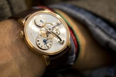 MB&F Legacy Machine 101 Or Jaune #mbandf #legacymachine #lm101 #movement #horlogerie #hautehorlogerie #timepiece #luxury #watches #watchmania