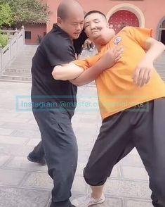 Martial Arts Moves, Mixed Martial Arts Training, Self Defense Martial Arts, Martial Arts Workout, Martial Arts Videos, Fight Techniques, Jiu Jitsu Techniques, Martial Arts Techniques, Self Defense Techniques