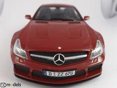 Minichamps Mercedes-Benz SL65 AMG Black Series 1/18