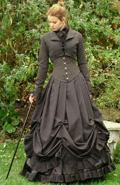 How to use Victorian styles in Steampunk costumes. From the Steampunk Fashion Guide to Skirts & Dresses: Bell Skirts - Woman in black pinstriped gothic victorian bell dress Vestidos Vintage, Vintage Dresses, Vintage Outfits, Goth Victorien, Victorian Fashion, Vintage Fashion, Victorian Clothing Women, Victorian Outfits, Renaissance Clothing