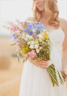 Rustic bridal bouquet. Captured By: Peter And Veronika #wchappyhour ---> http://www.weddingchicks.com/2014/05/26/wedding-chicks-happy-hour-5/