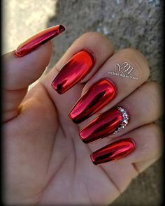 34 Eye-Catching Chrome Nail Art Designs for nails are the latest technology used by all trendy ladies and top nail bar salons. They use some gold/silver and metal nails to make them look gold Red Chrome Nails, Chrome Nails Designs, Valentine's Day Nail Designs, Red Nails With Glitter, Red Sparkle Nails, Deep Red Nails, Chrome Nail Art, Cute Nails, Pretty Nails