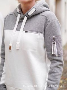 Nähe einen Hoodie mit Reißverschlusstaschen mit dem Schnittmuster Hoodie Emilea Best Picture For Cardigan fall For Your Taste You are looking for something, and it is going to tell you exactly what yo Sport Style, Sport Fashion, Fashion Outfits, Womens Fashion, Sport Wear, Mens Sweatshirts, Fashion Details, Sport Outfits, Winter Outfits