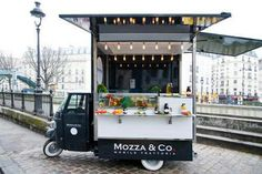 Geeze...Europe even has cool food trucks!mobile kitchen, mobile canteen, roach coach, o catering truck Camion comida ambulante cafeteria