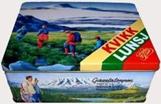 Kvikk Lunsj – The Ultimate Norwegian Hiking Snack Hot Chocolate Sauce, History Of Chocolate, Ski Posters, Lost In The Woods, Retro Recipes, Winter Olympics, Beach Mat, Stamps, Lunch Box