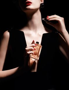 Giorgio #Armani Sì fragrance, Rouge Ecstasy and Nail Lacquer in 400, dress and earrings