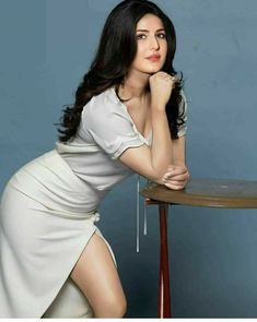 Katrina Kaif wearing beautiful top with front open skirt Indian Bollywood Actress, Bollywood Girls, Beautiful Bollywood Actress, Most Beautiful Indian Actress, Beautiful Actresses, Indian Actresses, Katrina Kaif Hot Pics, Katrina Kaif Images, Katrina Kaif Photo