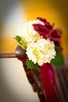 Hydrangea and calla lily pew decoration Pew Decorations, Wedding Aisle Decorations, Wedding Flowers, Wedding Fun, Wedding Stuff, Wedding Ideas, Old Hollywood Glam, Ceremony Arch, Calla Lily