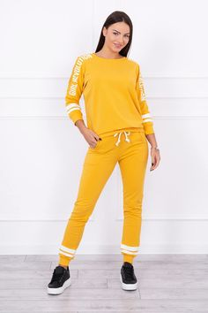 Fashion Blogger Style, Fashion Addict, Outfit Of The Day, Revolution, Street Wear, Jumpsuit, Street Style, Sport, Yellow