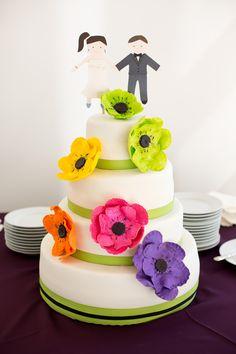 A unique cake. Photo by Eileen. #minneapolisweddingphotographer #weddingcake