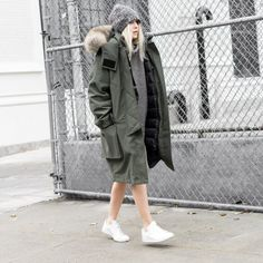 how to style your parka Winter Wear, Autumn Winter Fashion, Look Fashion, Womens Fashion, Fashion Trends, Fall Fashion, Parka Style, Winter Parka, Minimal Fashion