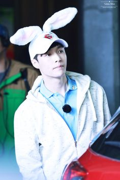 Lay((so cute
