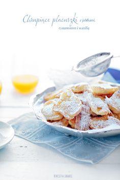 http://www.kwestiasmaku.com/kuchnia_polska/placki/placuszki_z_jablkami/przepis.html
