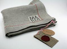 Roter Faden & handmade linen label http://www.maria-concept.de/shop/tischw%C3%A4sche/tischdecke-roter-faden/#cc-m-product-8736185399