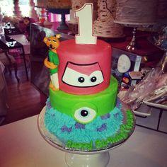 Disney themed 1st birthday cakewww.facebook.com/carinaedolce  #carinaedolce www.carinaedolce.com First Birthday Cakes, First Birthdays, Facebook, Disney, Desserts, Food, Tailgate Desserts, One Year Birthday, Deserts