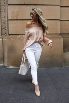 What the Athleisure trend is and how you can rock it Casual Work Outfits, Mode Outfits, Night Outfits, Work Attire, Spring Outfits, Office Attire, Casual Clothes, Summer Fashion Trends, 50 Fashion