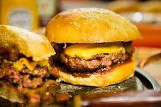 Receita de hambúrguer com geléia de bacon – O Chef e a Chata - Chata de Galocha!  |  Lu Ferreira
