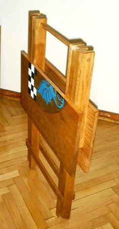 Easier to carry folding camp table. th_dreatable2.jpg (6379 bytes)