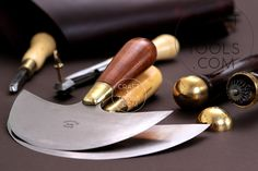 #craftntools #vergezblanchard #leathertools #leathercraft #leatherart #leatherhandmade Vergez Blanchard Head Round Knife in 4 sizes. Made in France. The knife is made of high quality steel with wooden handle. The knife has a correct oval shape. A head knife is one of the most versatile tools you'll own, capable of cutting, paring and skiving. It is often the displayed as the iconic leather tool.