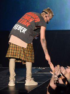 Há uma belieber dentro de todas nós! Justin Bieber cresceu, ficou gatinho-musculoso-e-tatuado, mas, se isso não é suficiente pra revelar seu lado… belieber, escute outro: a música. Purpose é um cd excelente, daqueles que você sabe basicamente todas as músicas e elas são bem boas, das agitadas às baladinhas,sei cantar todas, sou uma belieber. Agora […]