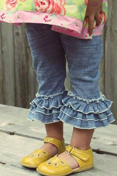 #cheekyplum Chambray Ruffle Capris 100% Cotton Chambray Fabric with Elastic Waist. These go with everything!