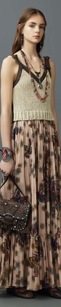 Catwalk photos and all the looks from Valentino - Pre Spring/Summer 2017 Ready-To-Wear New York Fashion Week Fashion Week, Fashion 2017, Runway Fashion, Boho Fashion, Fashion Show, Womens Fashion, Fashion Design, Fashion Trends, Boho Chic