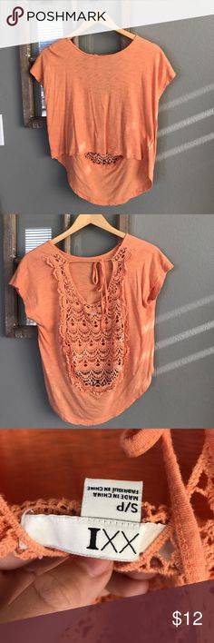 Forever 21 Top Great condition! Forever 21 Tops Tees - Short Sleeve