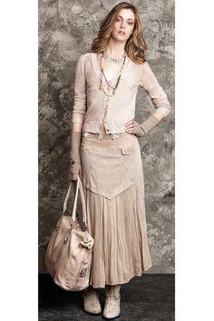 Elisa Cavaletti Lace Ruffle, Lace Skirt, Accessorize Fashion, Elisa Cavaletti, Romantic Outfit, Sewing Clothes, Fashion Details, Couture Fashion, Fashion Forward