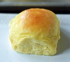 Homemade Dinner Rolls, Dinner Rolls Recipe, Homemade Breads, Bread Maker Recipes, Baking Recipes, Baking Tips, Sweet Dinner Rolls, Yeast Rolls, Bread Rolls