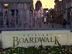 What's with all the shopping areas I keep putting up?  Here's the Louisiana Boardwalk in Bossier City, Louisiana.  I didn't shop, promise, but I did eat at the IHOP there.