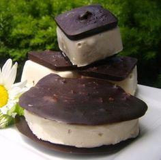 Raw Vegan Ice cream Sandwich