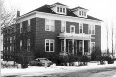 """Work Peoples' College -- Duluth, 402 S. 88th Ave. W. -- This building housed the """"Finn College"""", so called because many of the students and teachers were Finnish.  It opened in 1903 and at its peak in 1914 had 150 students.  The curriculum taught Marxism in addition to general education courses.  The Finn College closed in 1940 and the building was converted to apartments."""